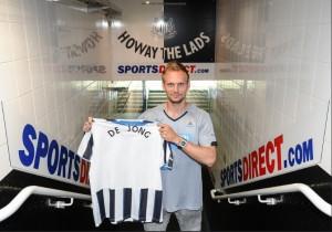 Siem de Jong har signert en seks år lang kontrakt med Newcastle. Foto: Newcastle United