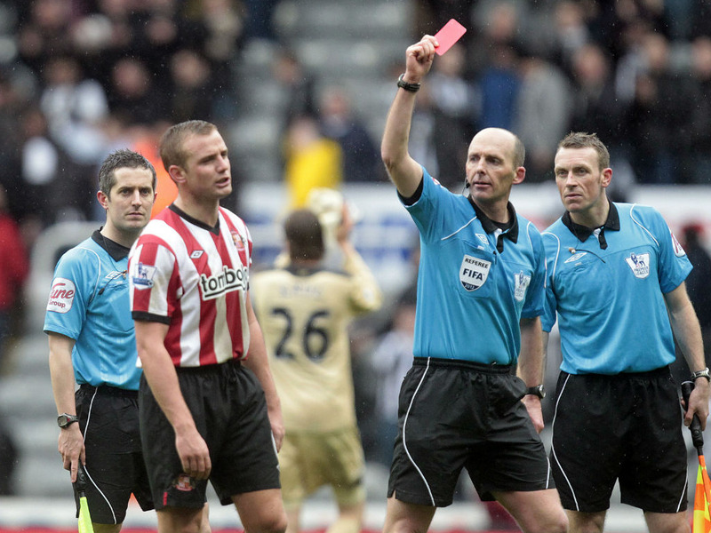 Lee-Cattermole-red-card-Newcastle-vs-Sunderla_2728204