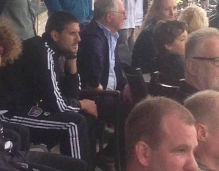 Mitrovic på tribunen