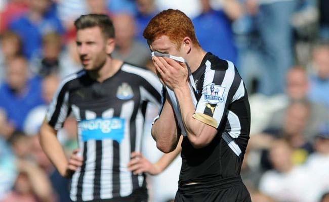 Jack Colback Shirt Over Face Paul Dummett Newcastle United